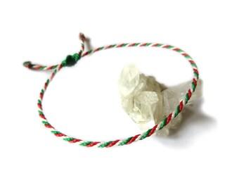 Bracelet Vert Rouge Blanc Corde Simple | Fin Cordon Souple de 2 mm | Tressé Avec Du Fil Ciré | Ajustable Unisexe et Résistant à l' Eau | #P8