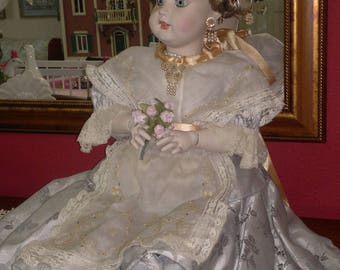 Porcelain Doll (dressed as Fallera)