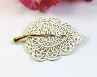Vintage White Enamel 'Lace' Brooch Pin, Signed 'Monet', White Gold Leaf Brooch Pin, Signed Monet Brooch Pin, Metal Lace Pin Brooch