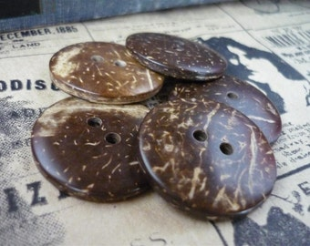 8 pcs Coconut Buttons 30mm (WB689)