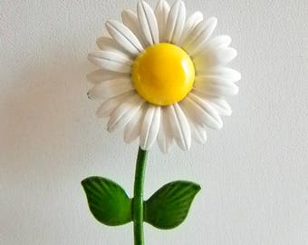 Vintage Bright White Yellow Enamel Daisy Floral Pin Brooch
