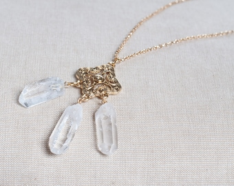 Three Quartz Crystal Point Necklace, Raw Quartz Points Crystal Healing, Clear Quartz Trio Necklace, Golden Pendant Crystal Necklace Stone