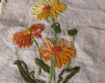 Primitive Daisey Stained Vintage Fall Flowers Embroidered Linen Primitive Farmhouse Decor Vintage Crewel Embroidery Vintage Crewel Fabric