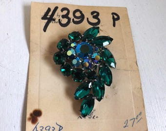 Vintage signed peacock blue and green Weiss rhinestone brooch new old stock dimensional layered feather on original card silver tone