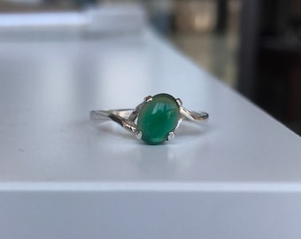 Sterling silver Size 7 1/2 ring with sea green cabochon stone marked 925 modernist modern minimalist vintage