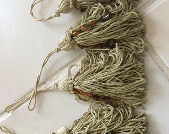 Khaki color length 10 cm tassels