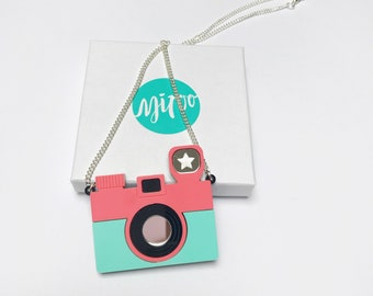 Camera necklace, retro necklace, retro camera, acrylic jewellery, laser cut necklace, retro style, plastic jewellery, gift for a friend