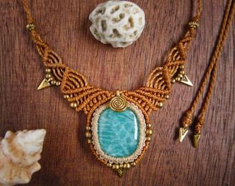 Macrame necklace with amazonite
