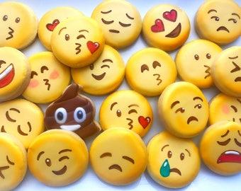24 Emoticon Sugar Cookies