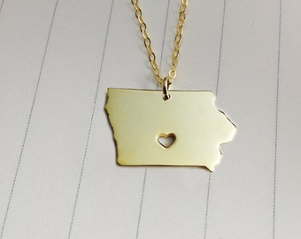 IA State Necklace,Iowa State Charm Necklace,Gold Iowa State Necklace,State Shaped Necklace  With A Heart
