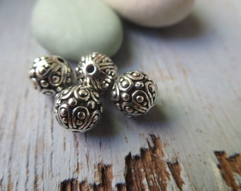 Ornate round  pewter beads , 7mm ethnic i style beads  , Antiqued Silver plated spacer , metal casting  4 beads / 8aT-5626-12
