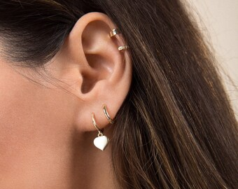 Heart hoops - Tiny heart hoops - Gold heart hoops - Tiny gold hoops - Tiny hoop earrings - Heart huggie hoops - Huggie hoops - Dainty hoops