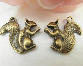 10pcs 22mm Antique Brass Squirrel Charms Pendant
