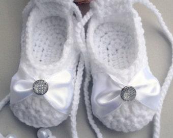 Crochet girl shoes, crochet dance shoes, crochet girl balerina shoes, crochet Mary Janes shoes, crochet Christening shoes, satin ribbon