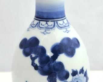 JAPANESE Arita PORCELAIN Blue & White Signed Meiji VASE