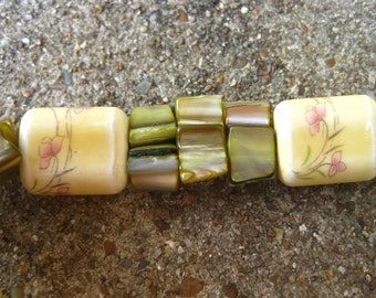 Yellow Green Mother of Pearl Bracelet