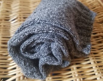 Simple Luxury Cashmere Socks - Medium