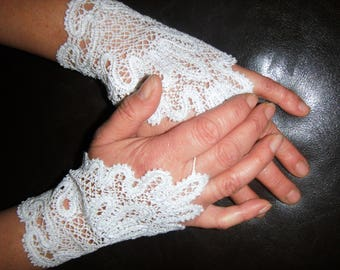 White gloves for wedding lace machine