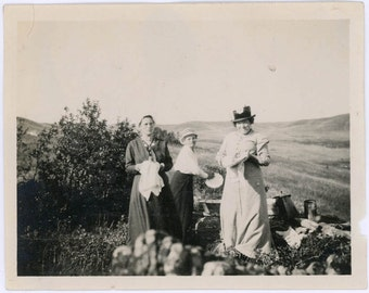 vintage photos 1916 Picnic Women Washing Dishes Love Butte Montana