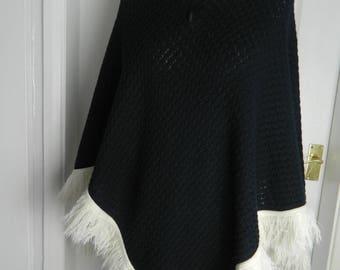 Vintage 1960's Poncho Black and White Monochrome Zip Through Top