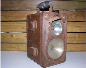 Lamp portable SNCF MADEC 1950 / battery battery industrial lamp / desk