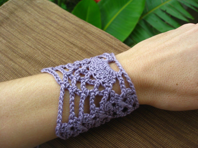 Pineapple wrist cuff or bracelet crochet pattern // Crochet jewelry ...