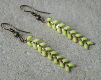 Earrings yellow enamel ears 1 chain