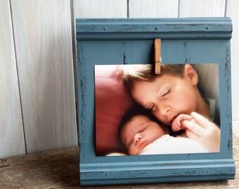 Cadre en bois bleu rustique 5x7 photo - cadre photo enfants - décoration chambre enfants - cadre bleu - cadre mural - cadre photo bébé bleu