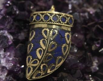 H20 Tibetan Horn Pendant with Inlaid Lapis Lazuli