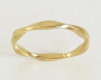 Unique mobius Wedding Band, mobius wedding ring, wave wedding band, 14k solid gold wedding band, unique gold ring, wave wedding ring, Gift.