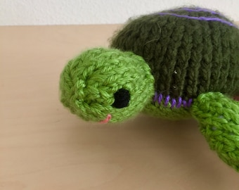 Chunky-knit turtle