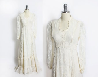 Vintage 1970s Dress- Ivory Cotton Lace Maxi Boho Peasant Gown 70s - Small S