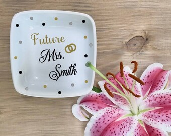 Future Mrs gift, last name ring dish, engagement ring dish, personalized jewelry dish, bridal shower gift, mrs ring dish