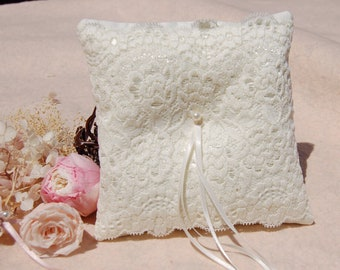Cute lace Wedding ring pillow.Ivory Cotton ring pillow,lace ring bearer pillow,wedding gift ,wedding Accessories. wedding ring