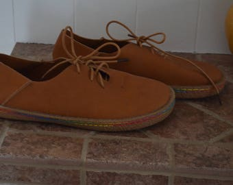 Get 15% off with code NEW15 laced shoes never worn 90's * tan/caramel 38
