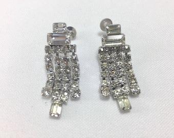 Gorgeous Rhinestone drop earrings 1950's Vintage Screwback