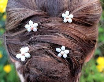Daisy hair pins, daisy bridal pins, daisy pins, flower hair pins, daisy bobby pins, daisy hair accessories, bridesmaid hair pins, hair pins