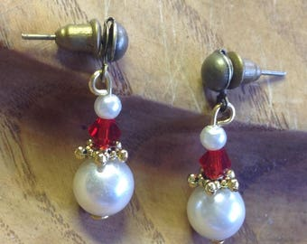 Unique Santa Claus Earrings, Santa Earrings, Pearl & Red Crystal Santa Earrings, Christmas Post Earrings, Christmas Pearl Earrings, J035