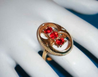 Vintage Adjustable Gold and ruby ring