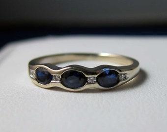 Vintage 18k Fine Oval Sapphire Diamond Band