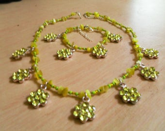 set (necklace and bracelet) original, colorful, cheerful (yellow, green)