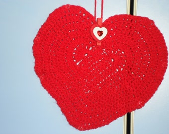 BIG HEART crocheted in red wool