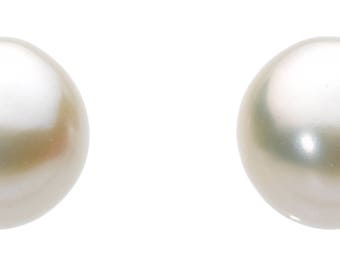 Freshwater Pearl Button studs small