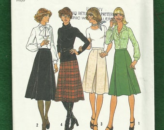 1976 Simplicity 7625 Inverted Pleated Skirts Size 12