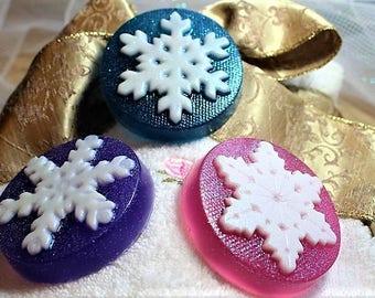 5 Snowflake Soaps, 10 Christmas Soaps, Christmas Favor Soaps, Christmas Gift, Stocking Stuffers, Christmas Party Favor Soap, Snowflake Favor