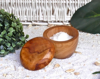 Salt cellar with lid, rounded, Ø 7,5 cm / 2.9 inches