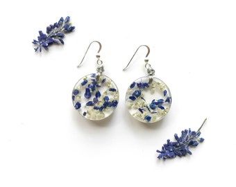 Resin pendant earrings and real flowers of muscari and mist-Gifts for nature lover, natural handmade jewelry