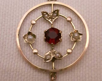 Edwardian 9ct gold Garnets and seed pearl pendant