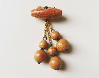 1960s old fashion women's jewelry orange wooden beads brooch pin