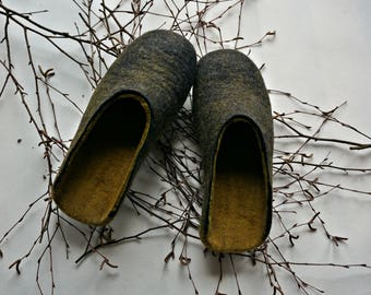 Black Men felted wool slippers, Organic wool slippers for men, Men's slippers, Men house shoes, Eco men slippers, Christmas gift for him